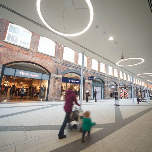 Mc Arthur Glen Shopping Outlet, Swindon